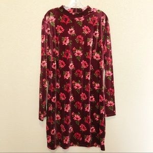 FOREVER 21 Crushed Velvet Floral Long Sleeve Dress